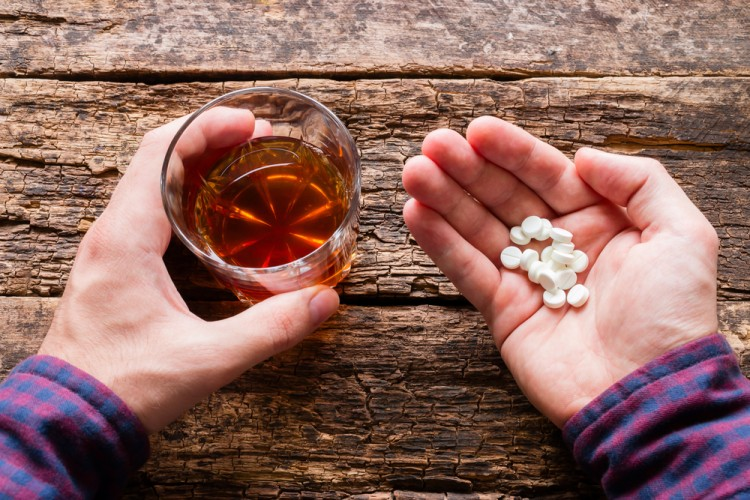 Alcohol With Pills